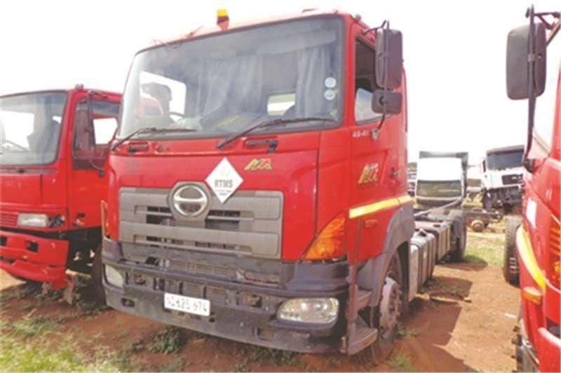 Truck-Tractor Hino Single Axle 700 46-410 0