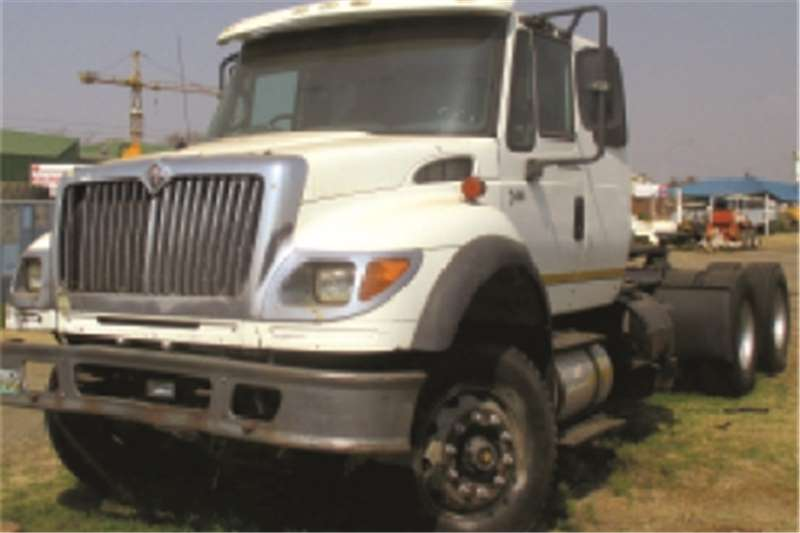Truck-Tractor International 7600  2006