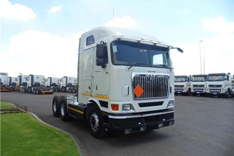 Truck-Tractor International 9800i TRUCK TRACTOR 2011