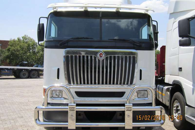 Truck-Tractor International  Double Axle Eagle 9800i 2006