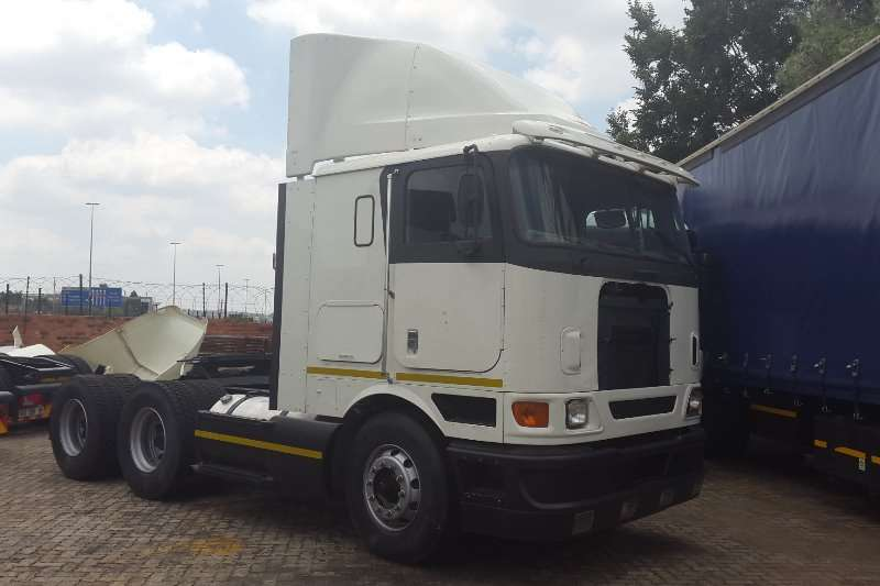 Truck-Tractor International  Double Axle Eagle 9800i 2008