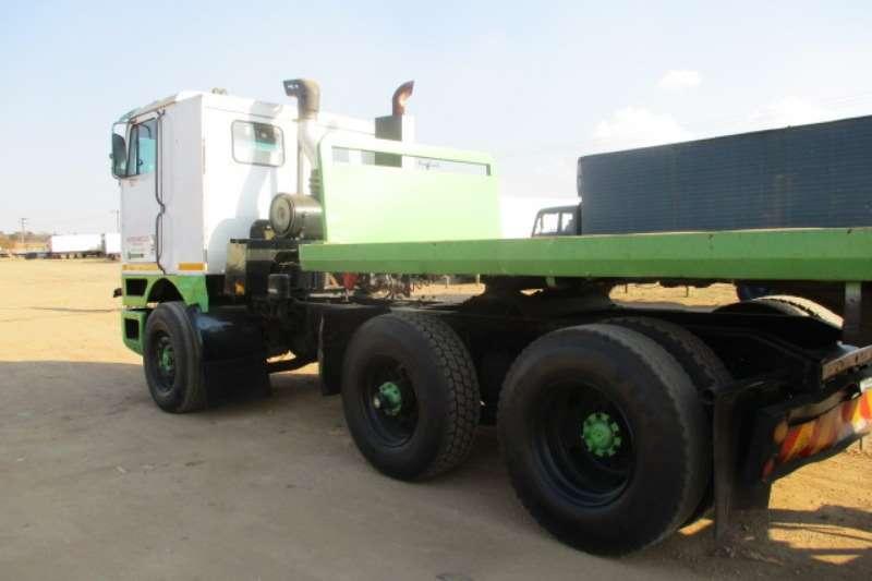 International Single axle INTERNATIONAL 4X2 MECHANICAL HORSE Truck-Tractor