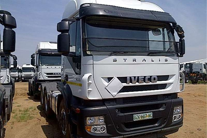 Truck-Tractor Iveco  Double Axle  AT700S43TZP  2009