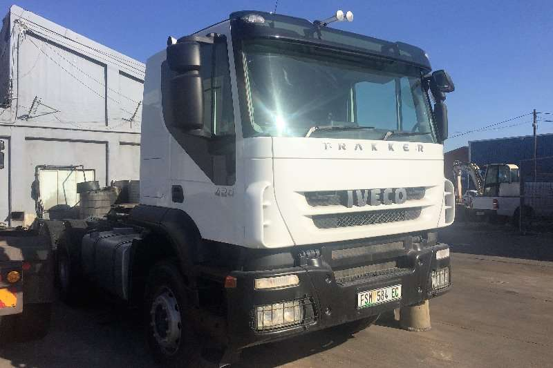 Truck-Tractor Iveco Double Axle AT750T42 2011