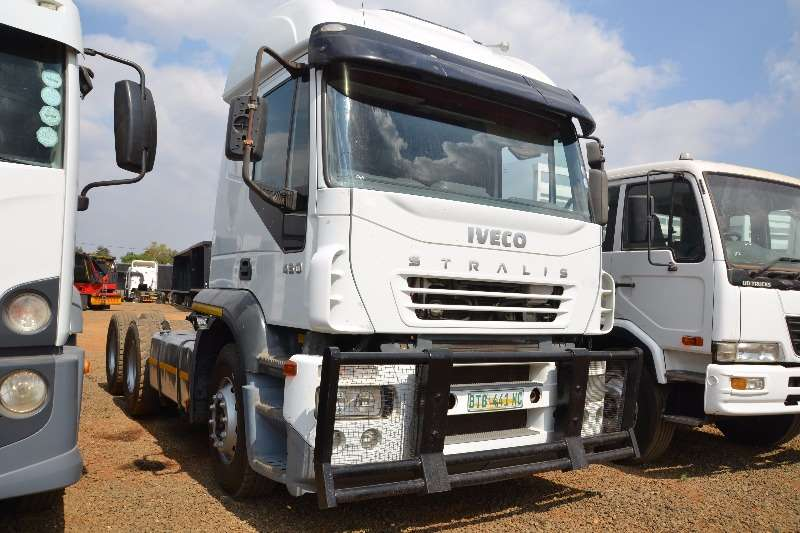 Truck-Tractor Iveco  Double Axle Stralis 430 2005