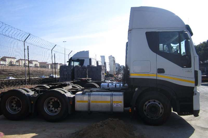 Truck-Tractor Iveco  Double Axle Stralis 430 2011