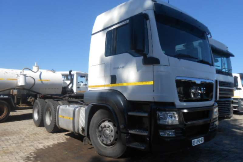 Truck-Tractor MAN  Double Axle 26-440 2012