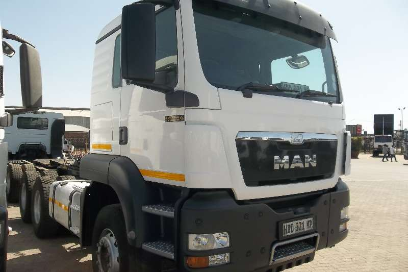 Truck-Tractor MAN  Double Axle 33.440 tgs 2013