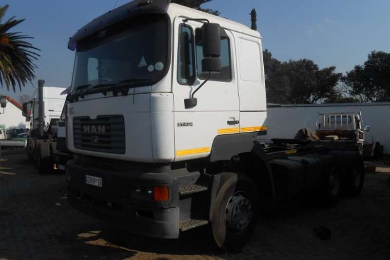 Truck-Tractor MAN  Double Axle F2000 27-464 2002