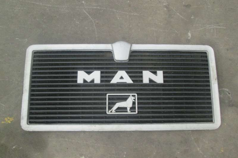 MAN Double axle F80 Grill Truck-Tractor