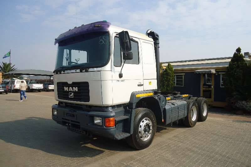Truck-Tractor MAN  Double Axle F90 MAN 26.552 T/T 1997