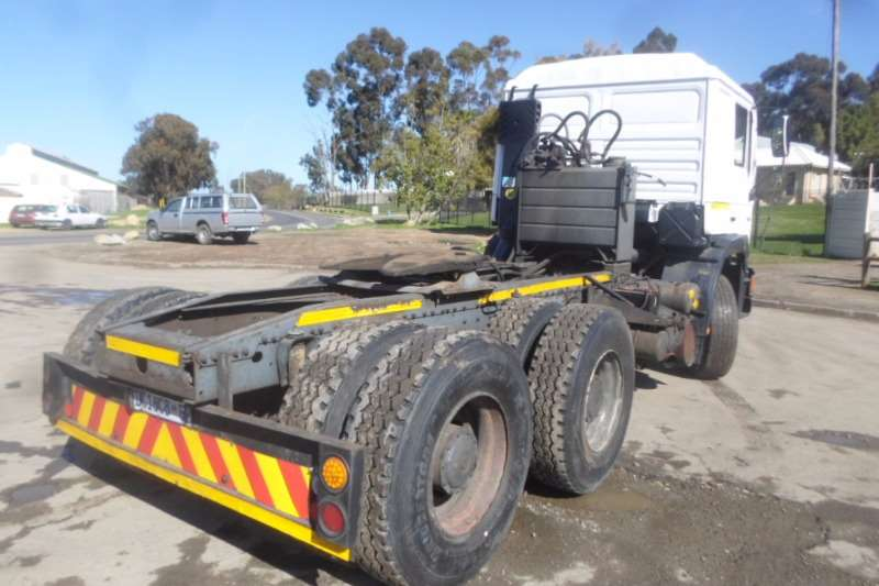 Truck-Tractor MAN  Double Axle MAN 26.402 F90 with Hydraulics 1996