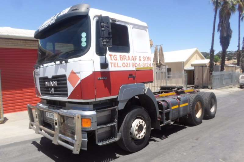 Truck-Tractor MAN  Double Axle MAN 27.464 F2000 2001