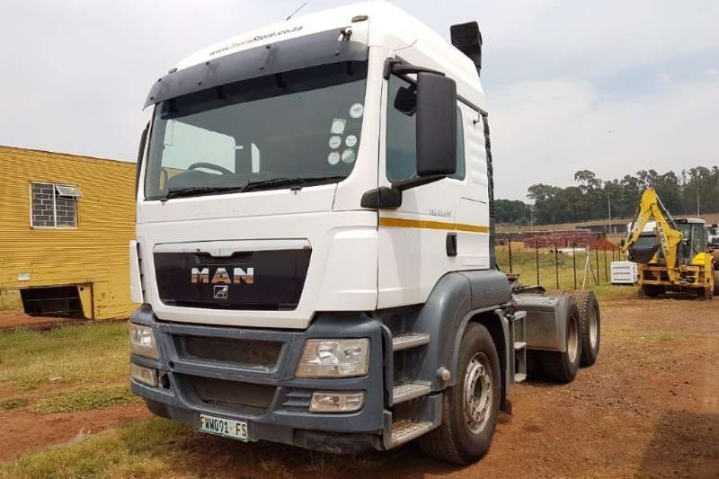 Truck-Tractor MAN  Double Axle TGS 26-480 with hydraulics 2011