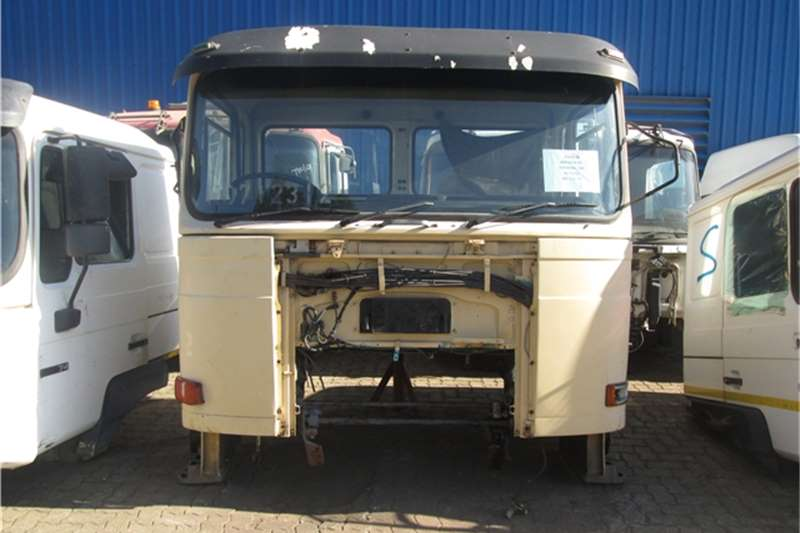 MAN F80 30 330 Cab Truck-Tractor