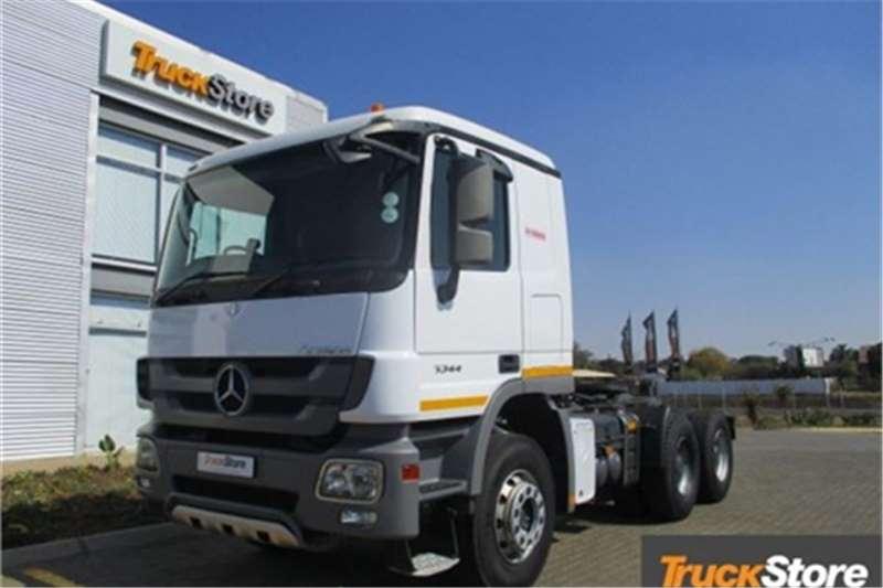 Truck-Tractor Mercedes Benz Actros 3344 S Mercedes Benz 2013