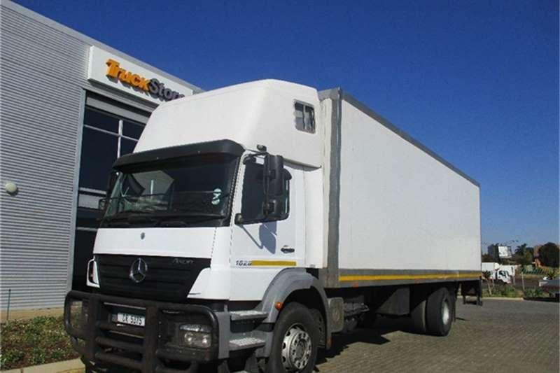 Truck-Tractor Mercedes Benz Axor 1828/60 Box Body/Tail Lift Mercedes Benz 2010