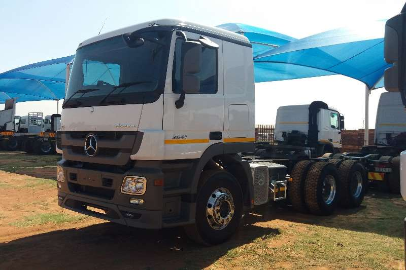 Truck-Tractor Mercedes Benz  Double Axle Actros 2641 MP3 2017