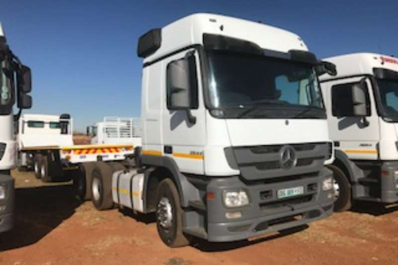 Truck-Tractor Mercedes Benz  Double Axle Actros 2644 mp3 2010
