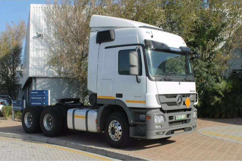 Truck-Tractor Mercedes Benz  Double Axle Actros 2646LS/33 Direct Drive 6x4 2017