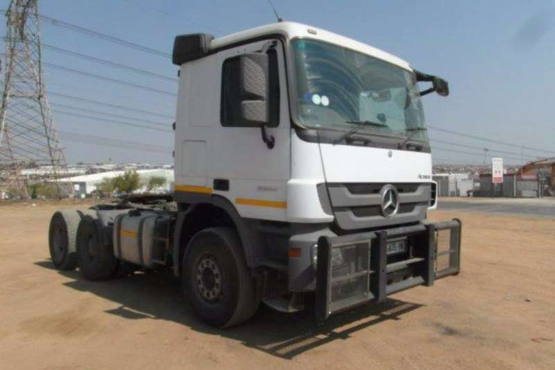 Truck-Tractor Mercedes Benz  Double Axle Actros 3344 6 x 4 Mechanical Horse With Hydraulics 2015