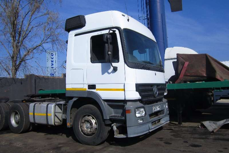 Truck-Tractor Mercedes Benz  Double Axle ACtros 3344 with Hub Reduction 2007