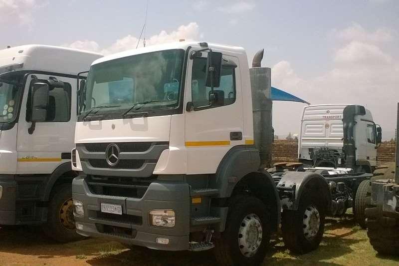 Truck-Tractor Mercedes Benz  Double Axle Axor 3535 Twin Steer Rigid 2008