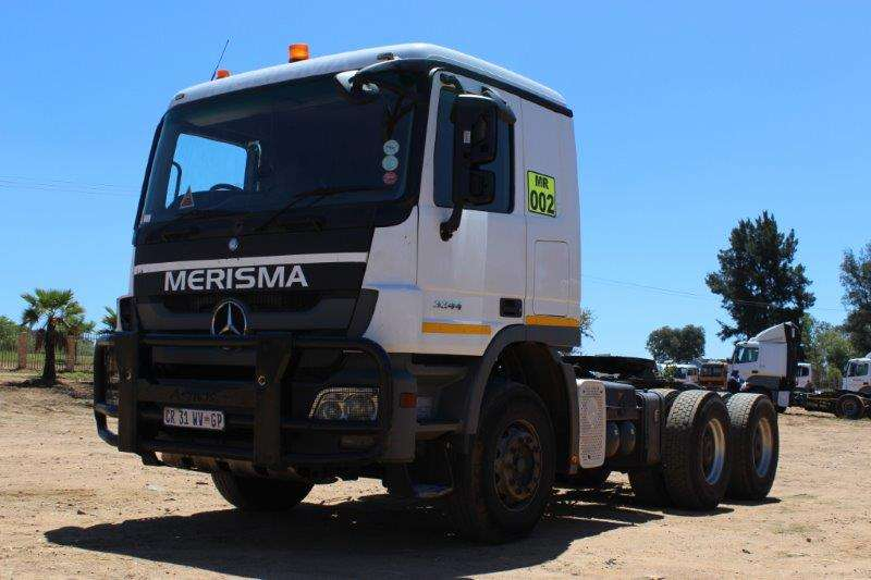 Truck-Tractor Mercedes Benz M/BENZ ACTROS 3344 WITH HYDRAULICS TRUCK TRACTOR 2013