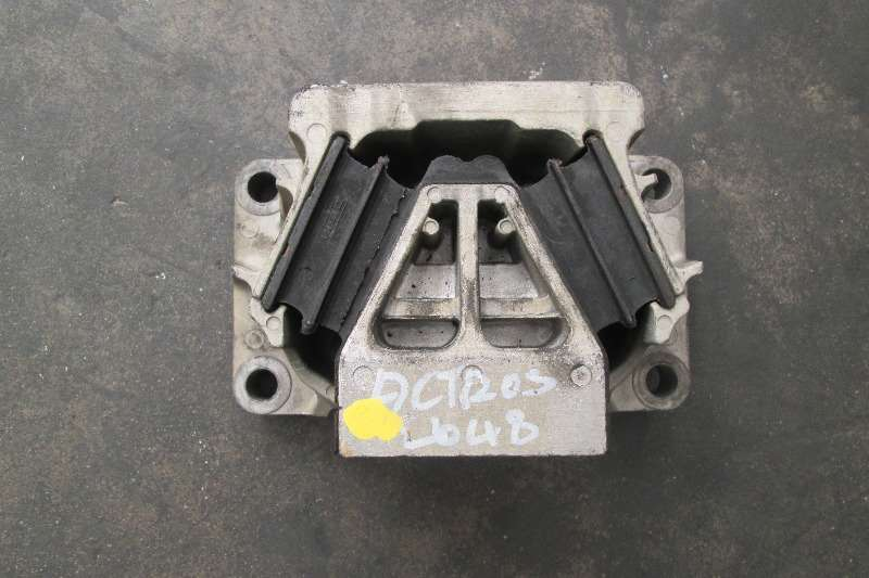Mercedes Benz OM542 Engine Mountings Truck-Tractor