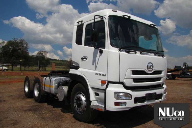 Truck-Tractor Nissan NISSAN UD QUON GW26490 6X4 HORSE 2013