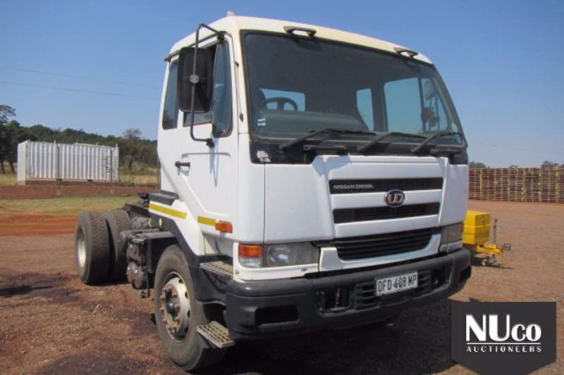 Truck-Tractor Nissan NISSAN UD350 4X2 HORSE 0