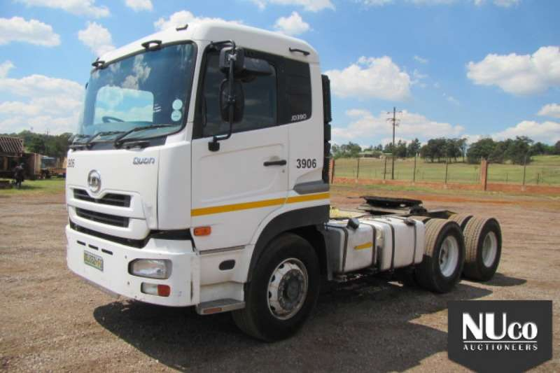 Truck-Tractor Nissan NISSAN UD390 QUON 6X4 HORSE 2011