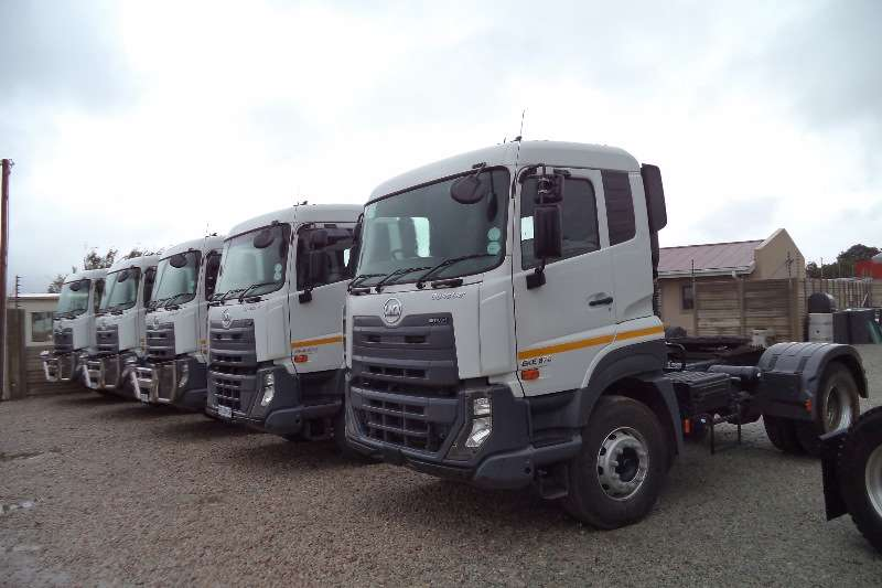 Truck-Tractor Nissan Single Axle UD QUESTER GKE 370 2016