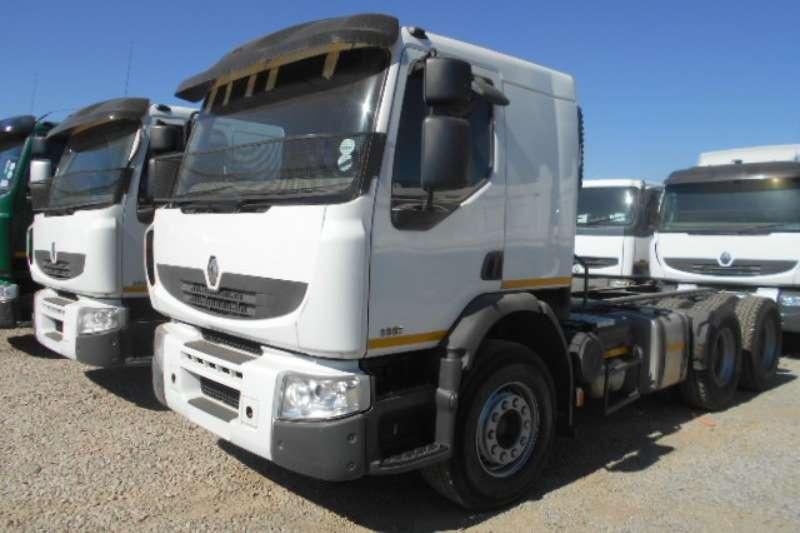 Truck-Tractor Renault  Double Axle P/LANDER 26.380 2012