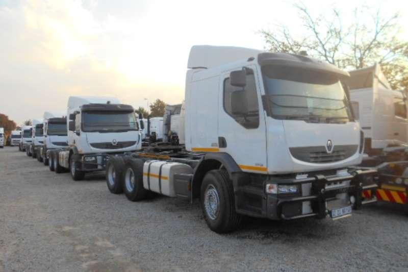 Truck-Tractor Renault  Double Axle PREMIUM LANDER 26.380 2012