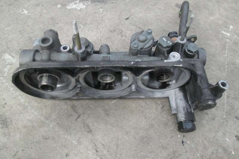 Renault DXi11 Oil Filter Housing Truck-Tractor