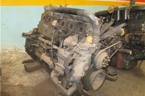 Truck-Tractor Renault Kerax 400 Engine ( Stripp 2005