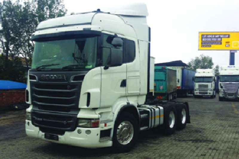 Truck-Tractor Scania  Double Axle R500 2011