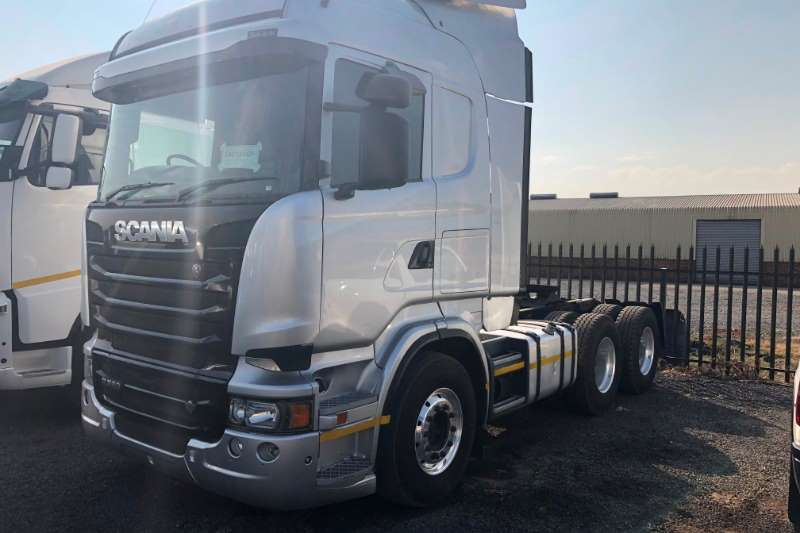 Scania Double axle scania r580 Truck-Tractor