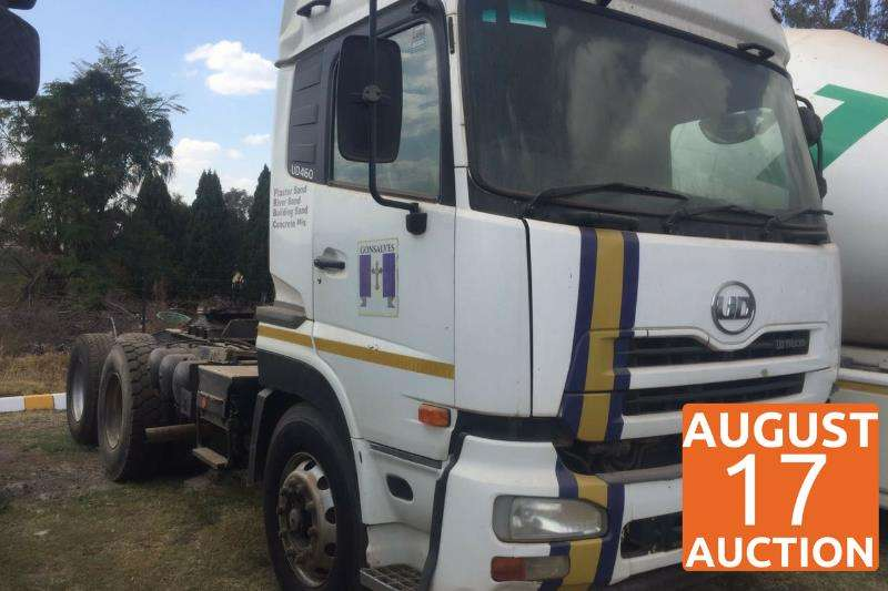 Truck-Tractor UD  Double Axle UD 460 2012