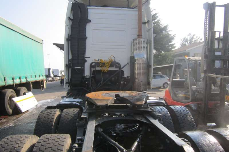 Volvo Double axle FH 13:520 Truck-Tractor