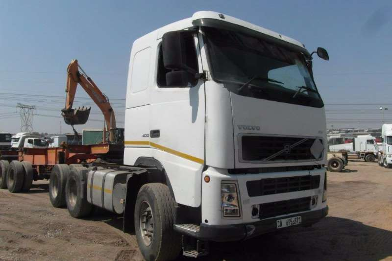 Truck-Tractor Volvo  Double Axle FH400 6 x 4 Mechanical Horse 0