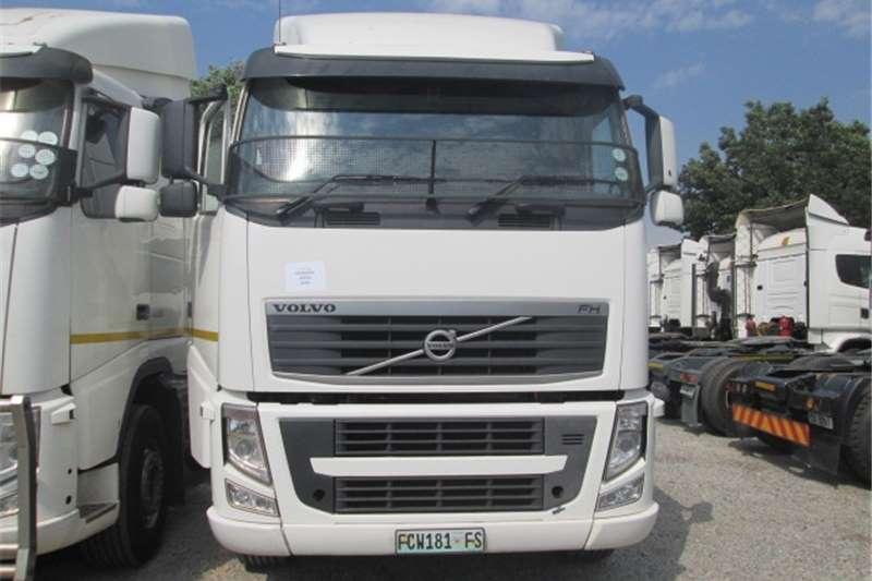 Truck-Tractor Volvo FH13 400 2012