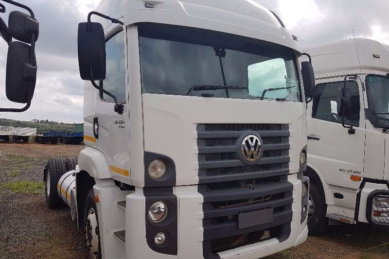 Truck-Tractor VW Single Axle 19-320 Constellation 2010