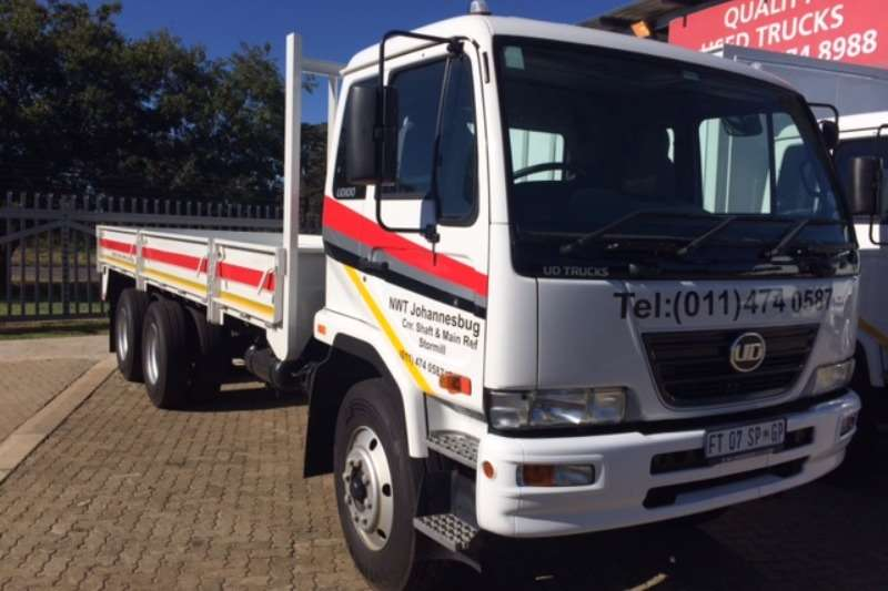Truck UD Dropside UD100 DROPSIDE WITH TAG AXLE 14 TON PAYLOAD 2017
