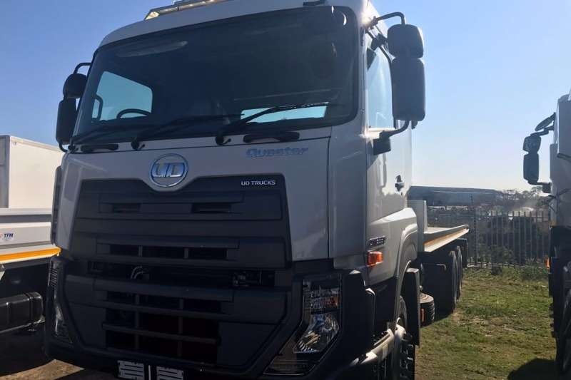 UD Roll back Quester CWE330 Truck