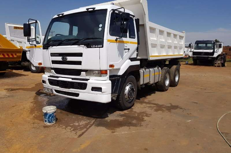 Truck UD Tipper UD 440 TIPPER FOR SALE 0
