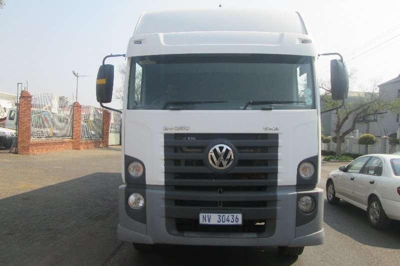 VW Curtain side 24 250 Truck