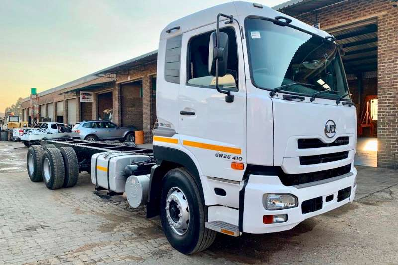 UD Truck Chassis Cab GW 26.410 2014