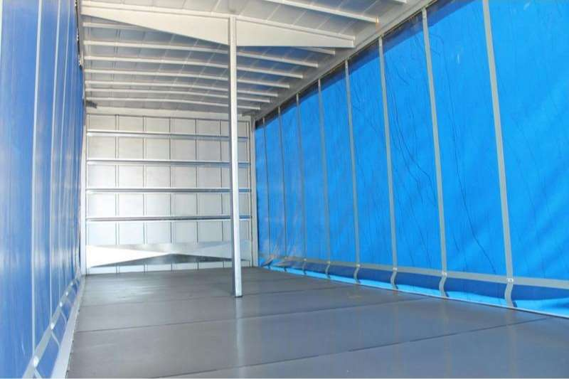 UD Curtain side UD MKE 210 4x2 with Tautliner Body Truck